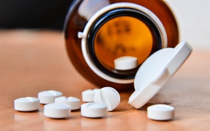 Có nên sử dụng thuốc corticoid tự chữa COVID-19 tại nhà? - 1
