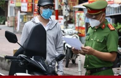 Giấy đi đường có phường xác nhận: Hà Nội cần sửa ngay, kẻo lây lan dịch