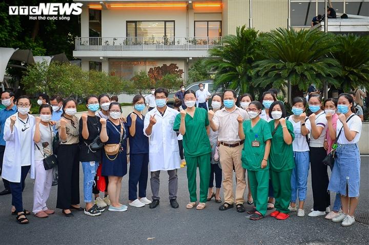 Ảnh: Gần 1.500 thầy trò trường Cao đẳng Y tế Bạch Mai vào TP.HCM chống dịch - 7