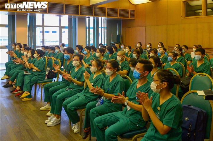 Ảnh: Gần 1.500 thầy trò trường Cao đẳng Y tế Bạch Mai vào TP.HCM chống dịch - 2