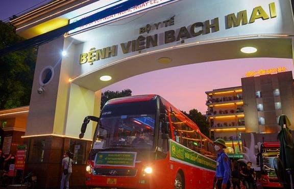 Ảnh: Gần 1.500 thầy trò trường Cao đẳng Y tế Bạch Mai vào TP.HCM chống dịch