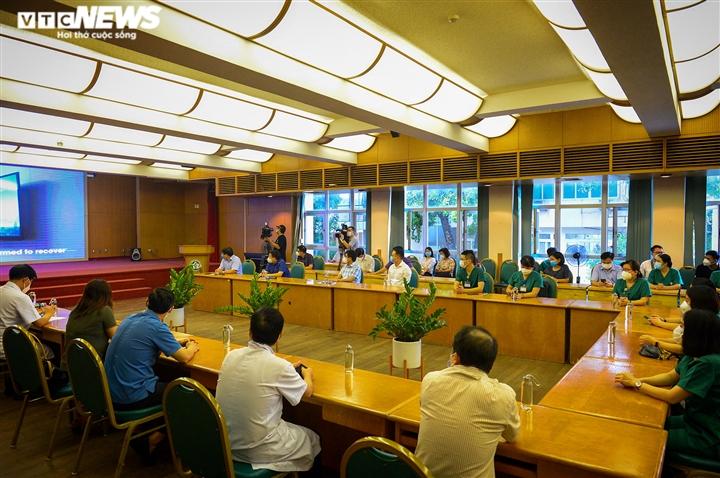 Ảnh: Gần 1.500 thầy trò trường Cao đẳng Y tế Bạch Mai vào TP.HCM chống dịch - 3