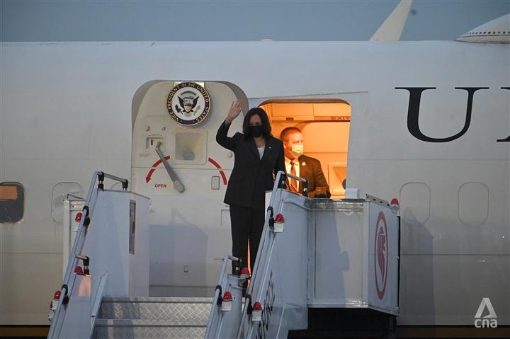 Những hình ảnh đầu tiên của Phó Tổng thống Mỹ tại Việt Nam - 9