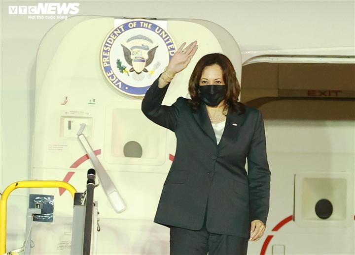 Những hình ảnh đầu tiên của Phó Tổng thống Mỹ tại Việt Nam - 3