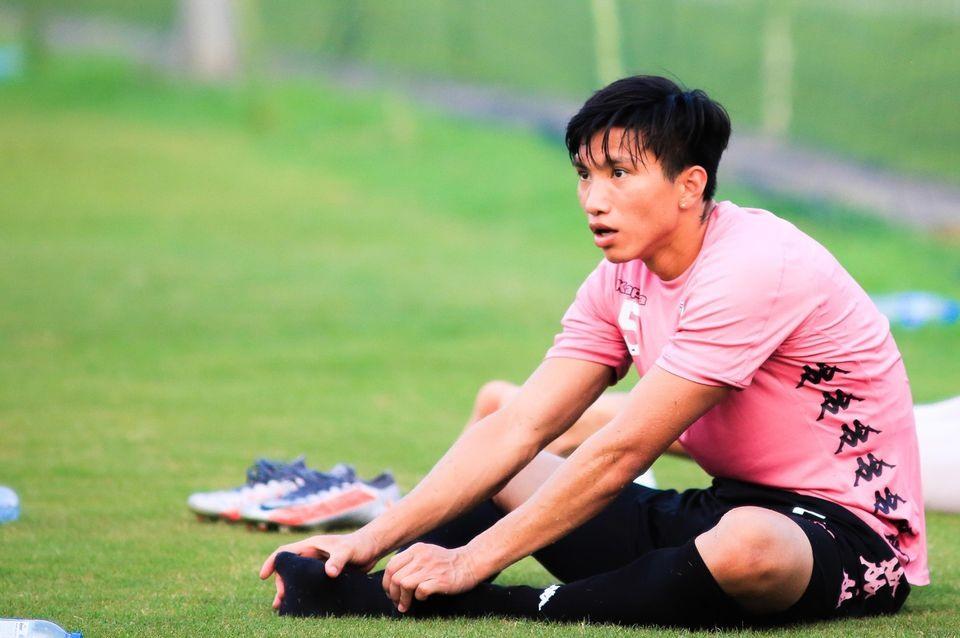doan van hau chan thuong khong the da cup quoc gia va vleague