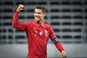 Ronaldo vượt mốc 100 bàn cho Bồ Đào Nha: Đích đến nào cho kỷ lục gia?