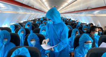 Hãng hàng không chịu trách nhiệm kiểm tra giấy xác nhận âm tính với COVID-19
