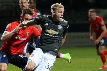 Lần đầu đá chính ở M.U, Van de Beek được động viên xuất sắc nhất trận