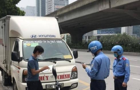 Nhiều nhà xe lợi dụng thẻ luồng xanh lập bến cóc giao nhận hàng hoá
