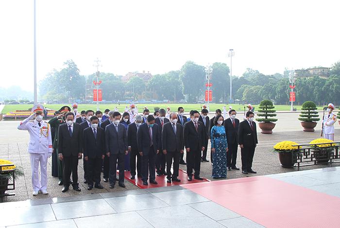 Lãnh đạo Đảng, Nhà nước và Bộ Công an vào Lăng viếng Chủ tịch Hồ Chí Minh -0
