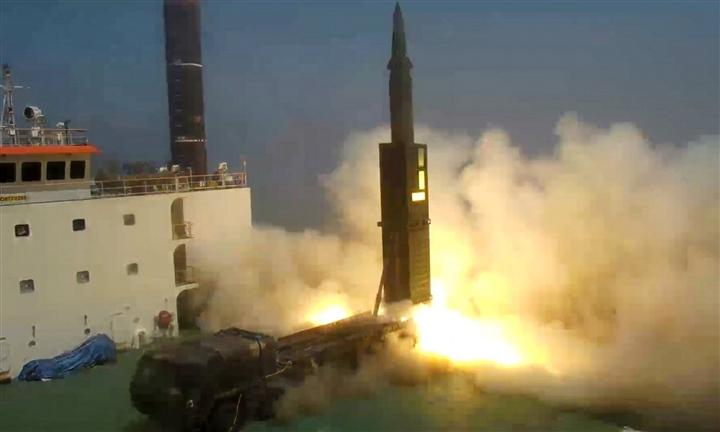 Hàn Quốc phát triển tên lửa có sức công phá lớn - 1