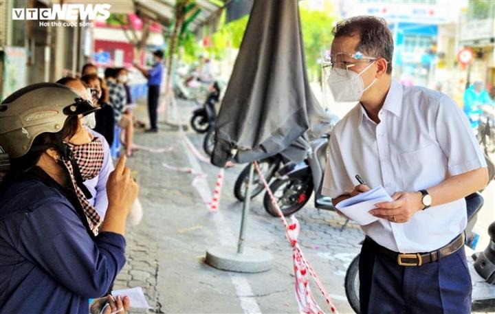 Bí thư Đà Nẵng: Khắc phục hạn chế trong cấp giấy đi đường QRCode - 2