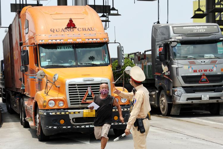 Hà Nội: Siết chặt giám sát, quản lý di biến động của lái, phụ xe hàng hoá  -0