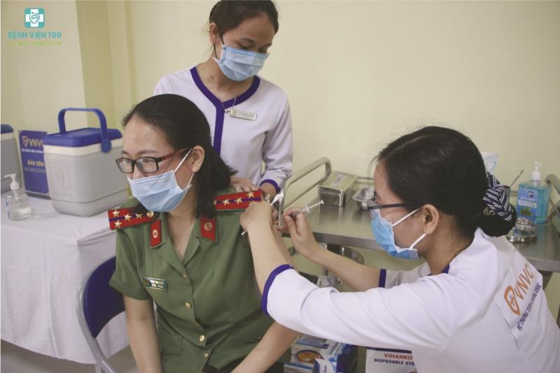 Đà Nẵng triển khai tiêm vaccine phòng COVID-19 cho hơn 92.000 người -0