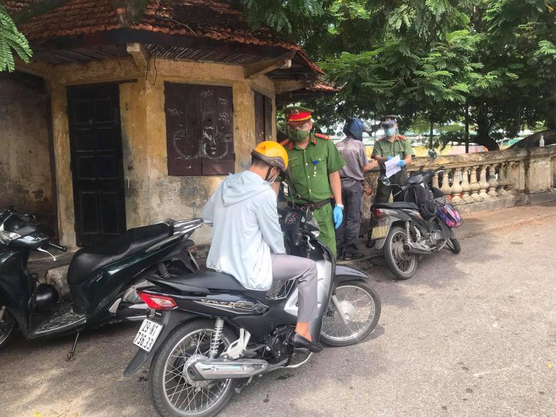 Hà Nội: Yêu cầu 2.295 lượt phương tiện quay đầu  -0