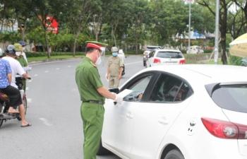 TP Hồ Chí Minh: Từ 15/9, từng bước nới lỏng giãn cách và cấp thẻ xanh, thẻ vàng