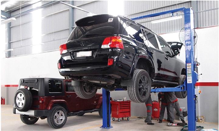 Ô tô gặp sự cố mùa COVID-19: Dịch vụ cứu hộ đội giá, khách mòn mỏi chờ sửa xe - 1