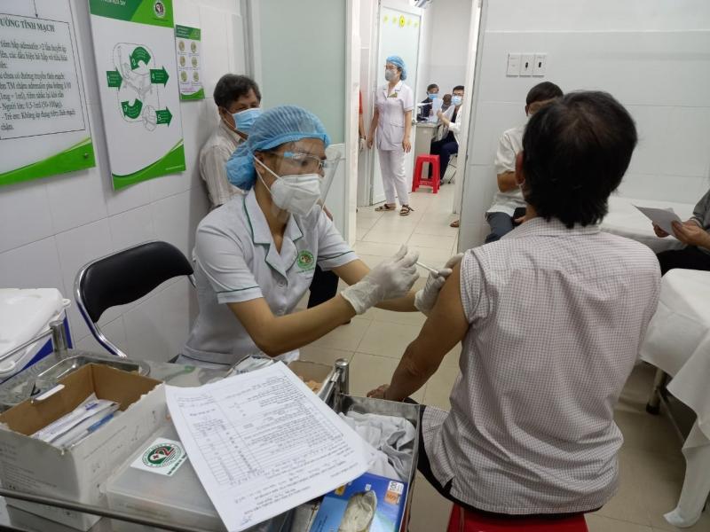 TP Hồ Chí Minh và Long An tiêm xong 100% mũi 1 cho người 18 tuổi trở lên -0