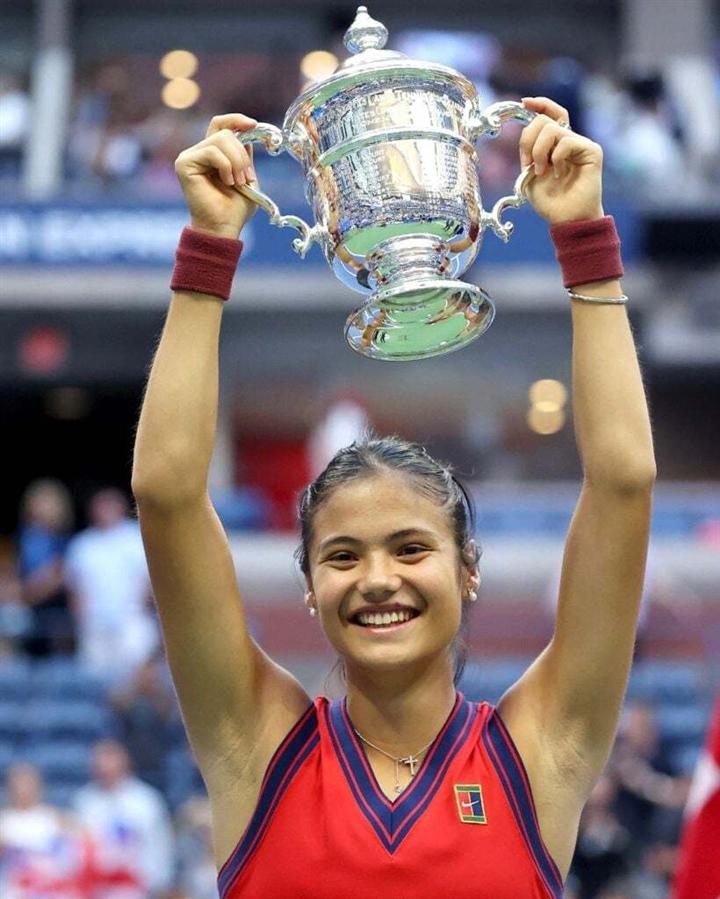 Tay vợt 18 tuổi vô địch US Open, lập kỳ tích lịch sử  - 3