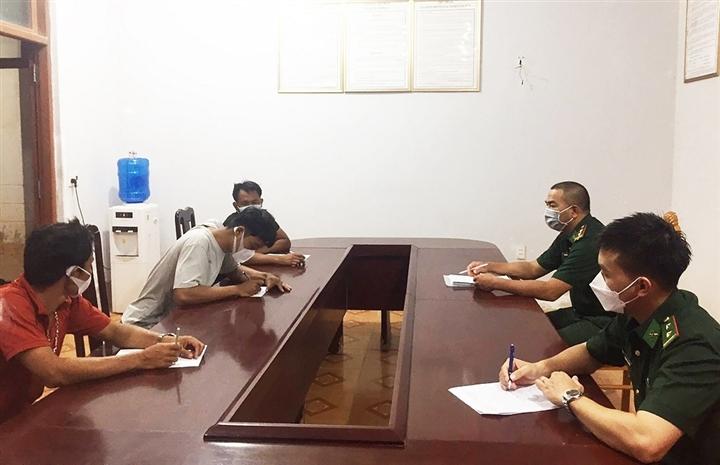 Quảng Bình: Phát hiện 6 ngư dân trốn cách ly ra khơi đánh cá - 2