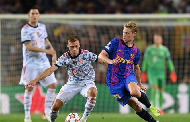 Lewandowski lập cú đúp, Bayern đè bẹp Barca