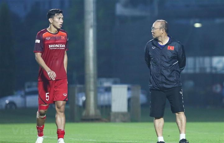 Giữa bão chấn thương, Hà Nội FC bổ nhiệm 'thần y' Hàn Quốc - 2