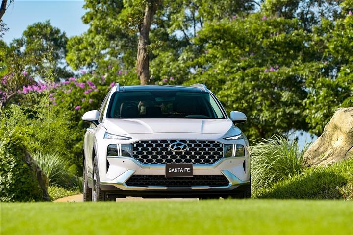 Hyundai An Khánh triển khai ưu đãi cho khách hàng mua xe SantaFe - 2