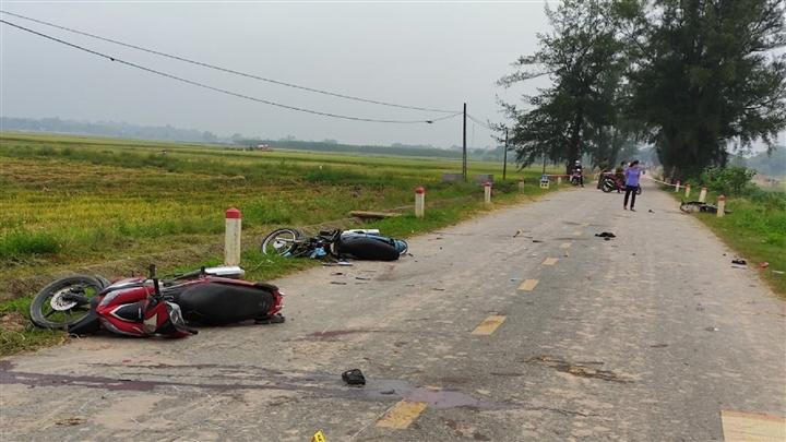 Phú Thọ: Tai nạn liên hoàn trong đêm Trung thu, 5 người chết - 1