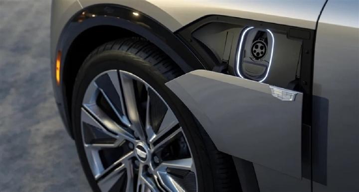 Chi tiết mẫu SUV điện Cadillac Lyriq 2023 'cháy hàng' sau hơn 10 phút mở bán - 7