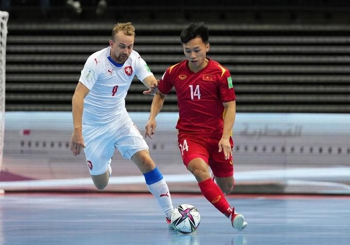 Sao trẻ tuyển Việt Nam tỏa sáng ở World Cup futsal khiến FIFA kinh ngạc - 1