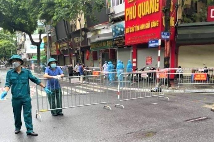 Hà Nội: Ca F0 tử vong trong tư thế treo cổ ở phố Trần Nhân Tông - 1