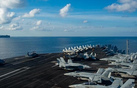 Tàu sân bay USS Ronald Reagan tiến vào Biển Đông