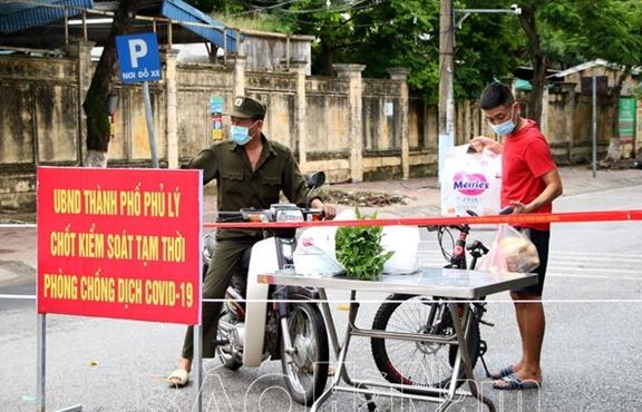 Hà Nam tiếp tục ghi nhận 51 ca COVID-19, 45 người ở thành phố Phú Lý