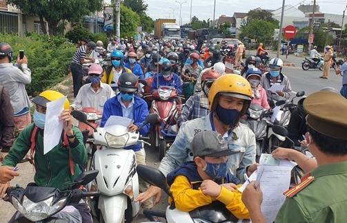 Người tiêm đủ 2 mũi vaccine ở vùng xanh Đà Nẵng đến Quảng Nam cách ly thế nào?
