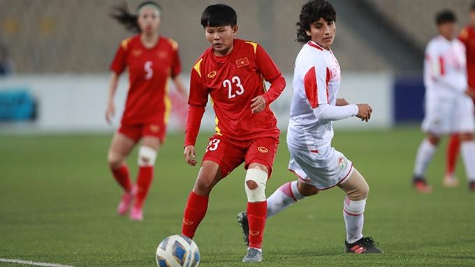Đè bẹp Tajikistan, tuyển nữ Việt Nam giành vé dự Asian Cup 2022 - 1