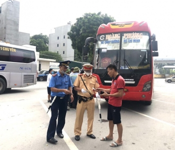 Phát hiện hai tài xế nghi dương tính với ma túy tại bến xe Yên Nghĩa