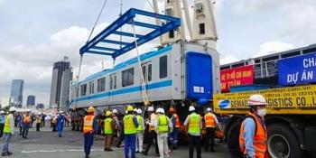 Cận cảnh hình ảnh 3 toa tàu đầu tiên của tuyến metro số 1