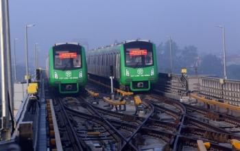 Đường sắt Cát Linh- Hà Đông nằm phơi mưa nắng, gần 700 lao động chờ việc không lương