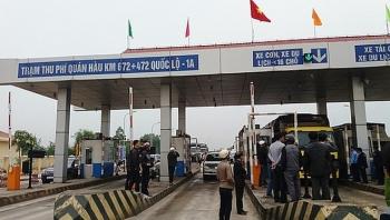 Xem xét miễn phí qua trạm BOT đối với phương tiện chở hàng cứu trợ miền Trung