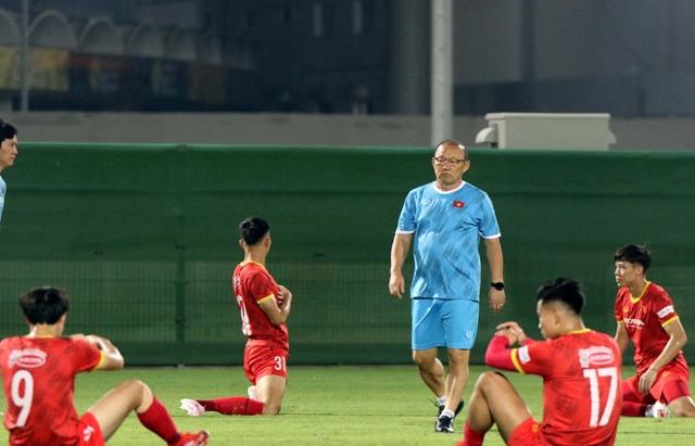 Đội tuyển Việt Nam trước tuần lễ quyết định: Tỉnh táo trong giấc mơ đẹp