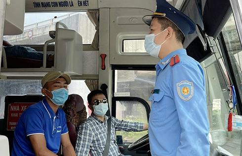 Phối hợp đảm bảo phòng, chống dịch COVID-19 tại cửa ngõ Thủ đô