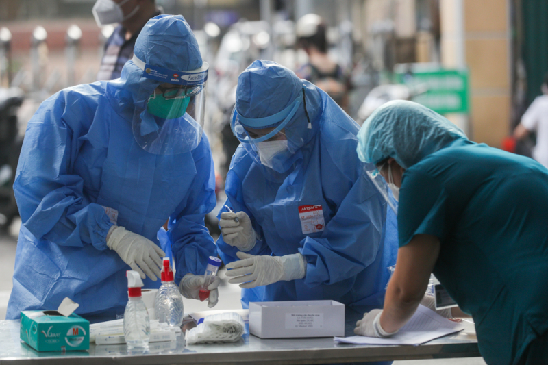 Hà Nội thêm 12 ca mắc mới, có 11 F0 liên quan đến Bệnh viện Hữu nghị Việt Đức -0