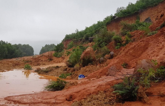 Lũ miền Trung chưa rút, mưa lớn lại trút xuống