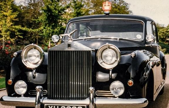 Rolls-Royce Black Badge: Dòng xe mang tính biểu tượng