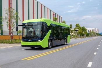 VinBus hợp tác Star Charge phát triển hệ thống trạm sạc xe buýt điện lớn nhất ASEAN