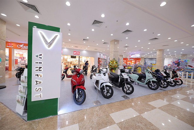 vinfast dong loat khai truong 21 showroom o to va xe may dien