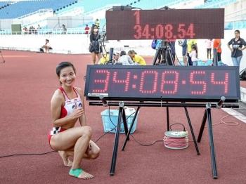 Nguyễn Thị Oanh phá kỷ lục giành HCV