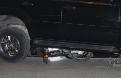 clip toan canh nu tai xe lexus dam loat xe la liet ven ho tay