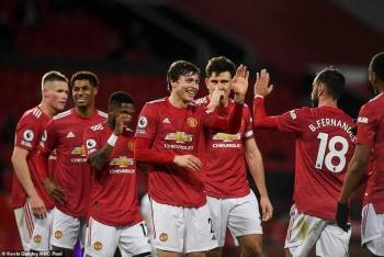 Thắng khó tin trước Leeds, M.U lần đầu vào top 3