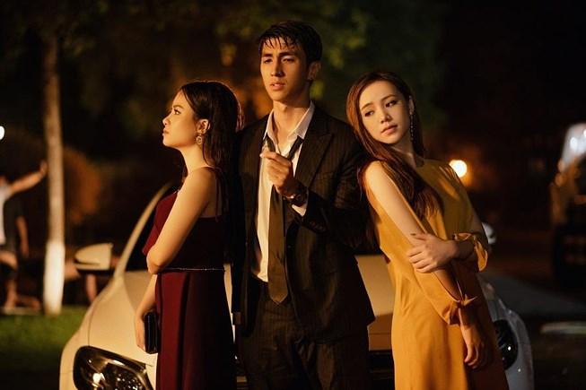 Dương Hoàng Yến bị nghi ngờ đạo ý tưởng series ADODDA của Hương Giang